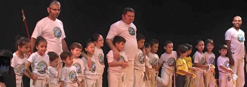 Apresentação de Capoeira e troca de corda