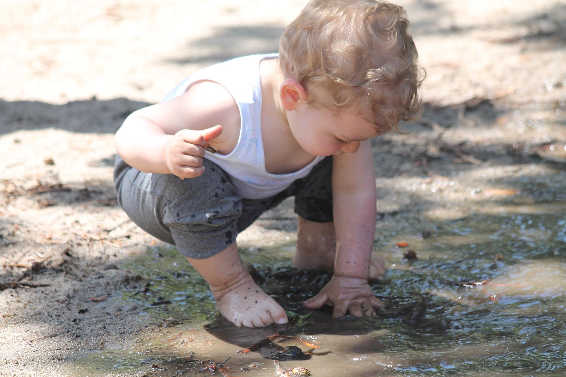 Criança precisa de micróbios, não de antibióticos, para desenvolver a imunidade – dizem os cientistas