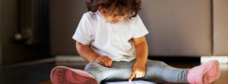 Televisão, tablet e smartphones: especialistas refletem sobre tempo de exposição às telas ideal para cada idade