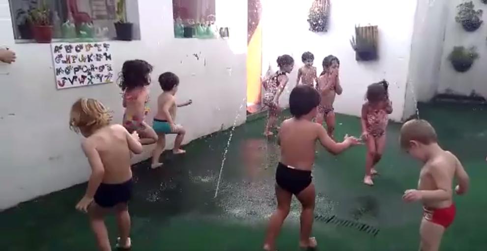 Vivência com água [vídeo]